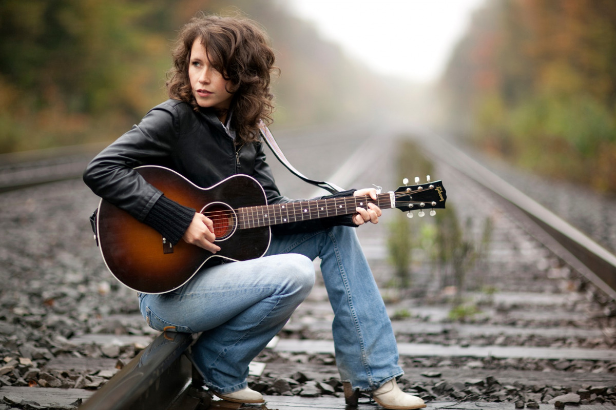 Sarah Lee Guthrie, daughter of folk artist Arlo Guthrie and granddaughter of Woody Guthrie, will perform at the Majestic as part of the American Strings series.