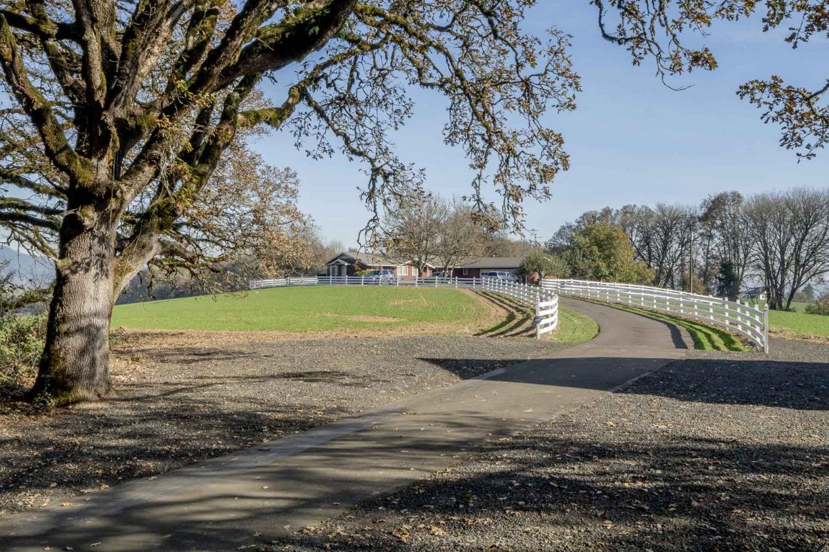 Fernwood Circle, H-Acres Entrance, Corvallis, Oregon