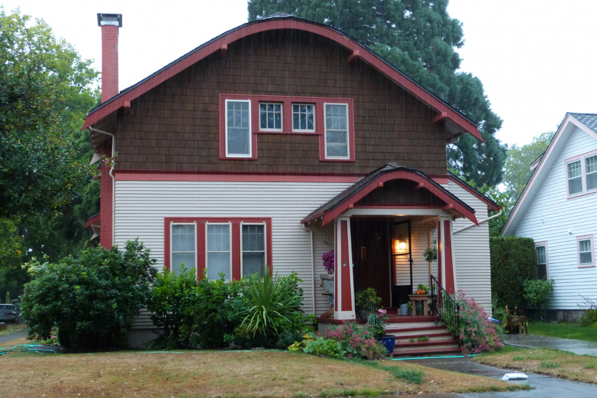 College Hill West Historic District Walking Tour - The historic Horace and Nellie Francis House (built ca. 1924), located at 300 Northwest 31st Street in Corvallis, Oregon, United States, is listed as
