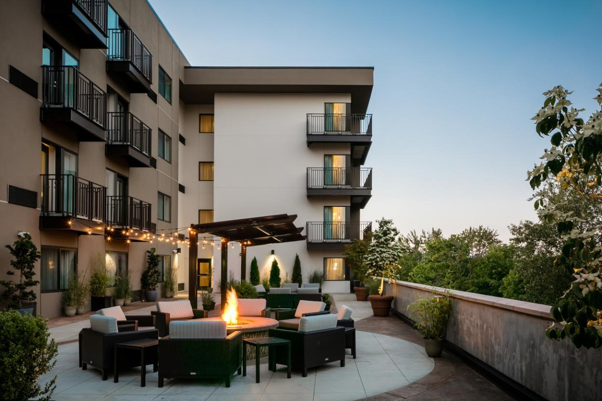 Outdoor Terrace at Courtyard