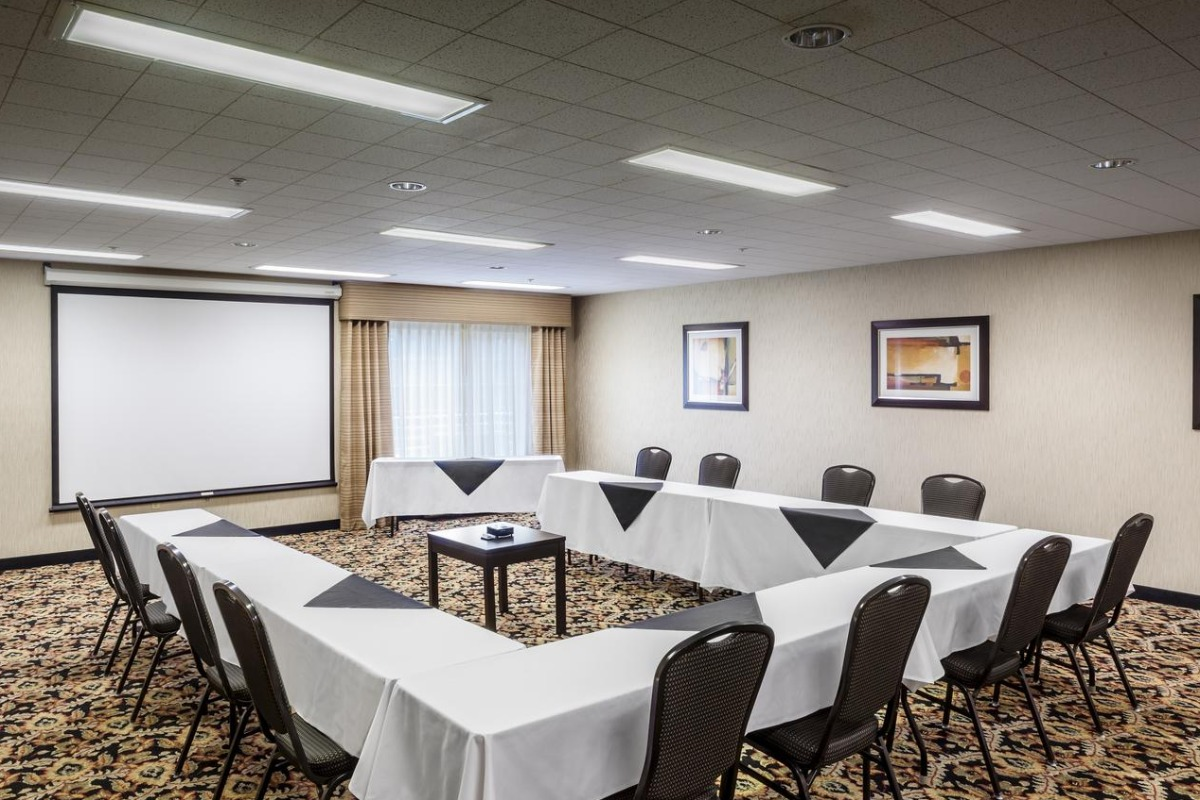 Willamette Room at Holiday Inn Express