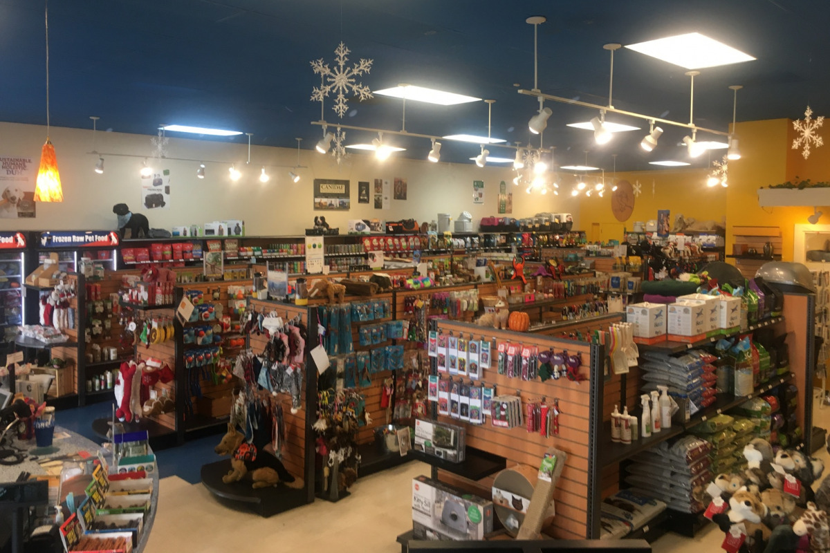 Animal Crackers Pet Supply, Corvallis, Oregon - Photo of the store aisles from above - Photo courtesy Animal Crackers Pet Supply Facebook page