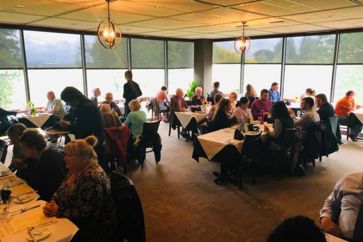 Santiam Restaurant - LBCC Culinary Arts - Albany, Oregon - Students wait on a full restaurant of customers - Image via website