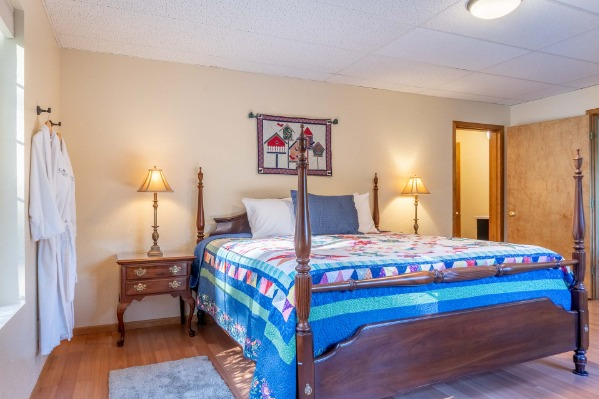 Fernwood Circles Guesthouses in Corvallis, Oregon