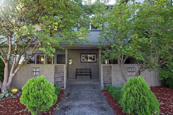 Van Buren Court in Corvallis, Oregon